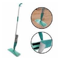 Grīdas tīrīšanas slota ar smidzinātāju